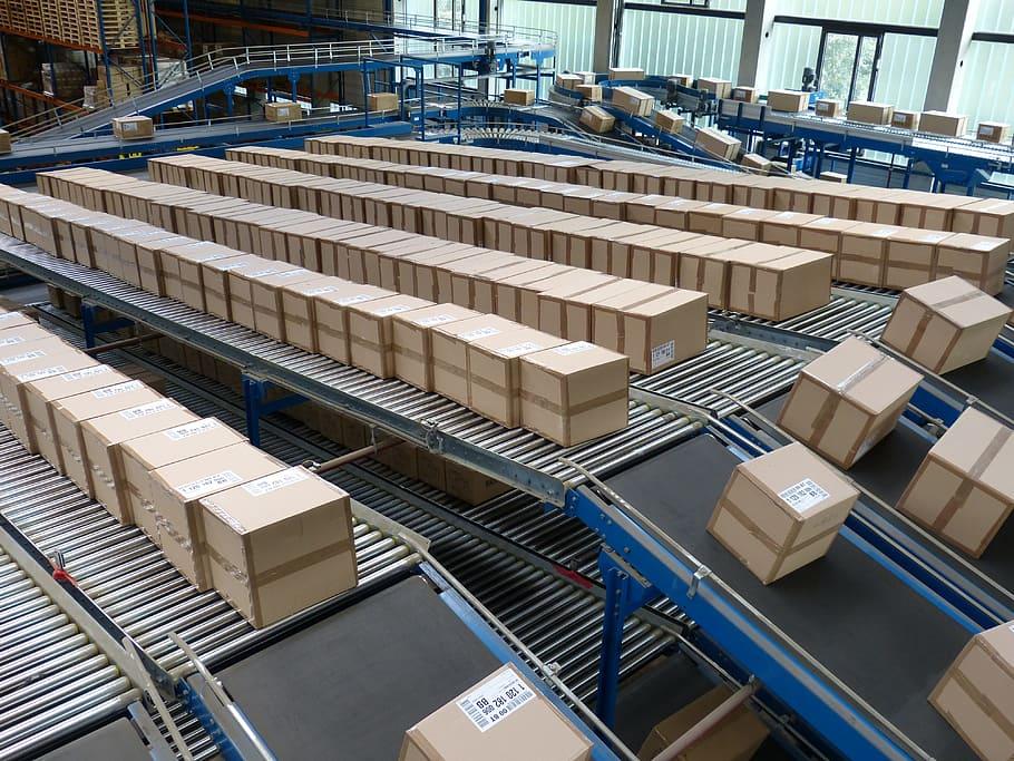 Kas kolmandatest riikidest (Hiina, USA, jne) saadetud kaupu on vaja deklareerida ja/või tasuda importmaksud (tollimaks, käibemaks, aktsiis)? See sõltub täpsemalt saadetise väärtusest, kogusest ja saatjast. Impordimaksude suurus aga sõltub kaubakoodist ja kauba päritoluriigist.